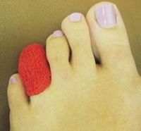 how to help a broken toe